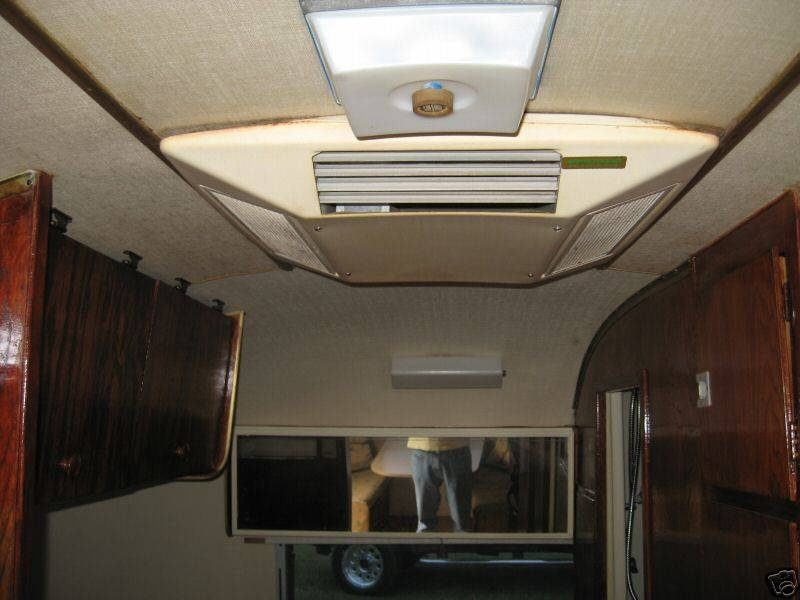 1970 Caravel 18 Vintage Airstream