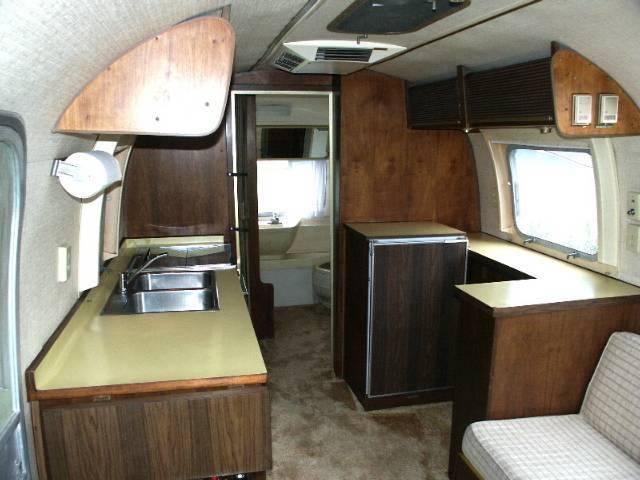 1970 Caravanner 25 Vintage Airstream