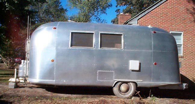 1968 Globetrotter 20 Vintage Airstream