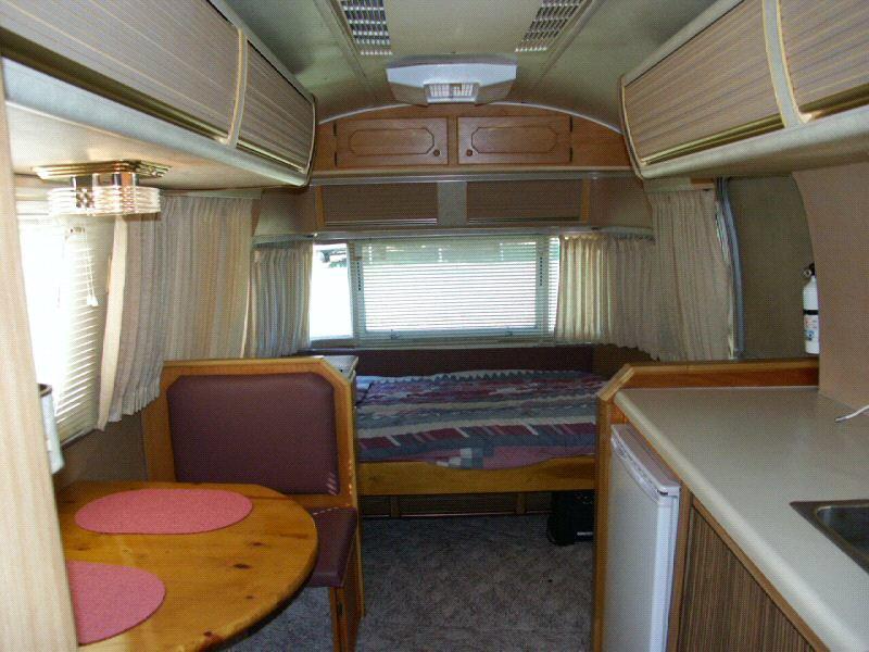 1977 Globetrotter 21 Vintage Airstream