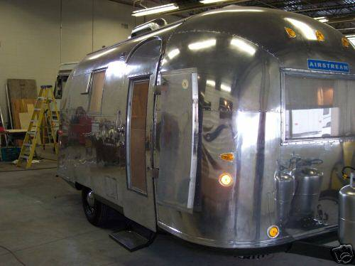 1964 Globe Trotter 19 Vintage Airstream