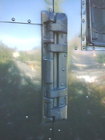 Removing A Single Hinge Door Vintage Airstream